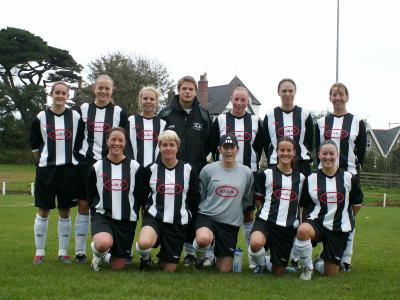 Penzance Ladies in there new kit with new Sponsor Clubb 22