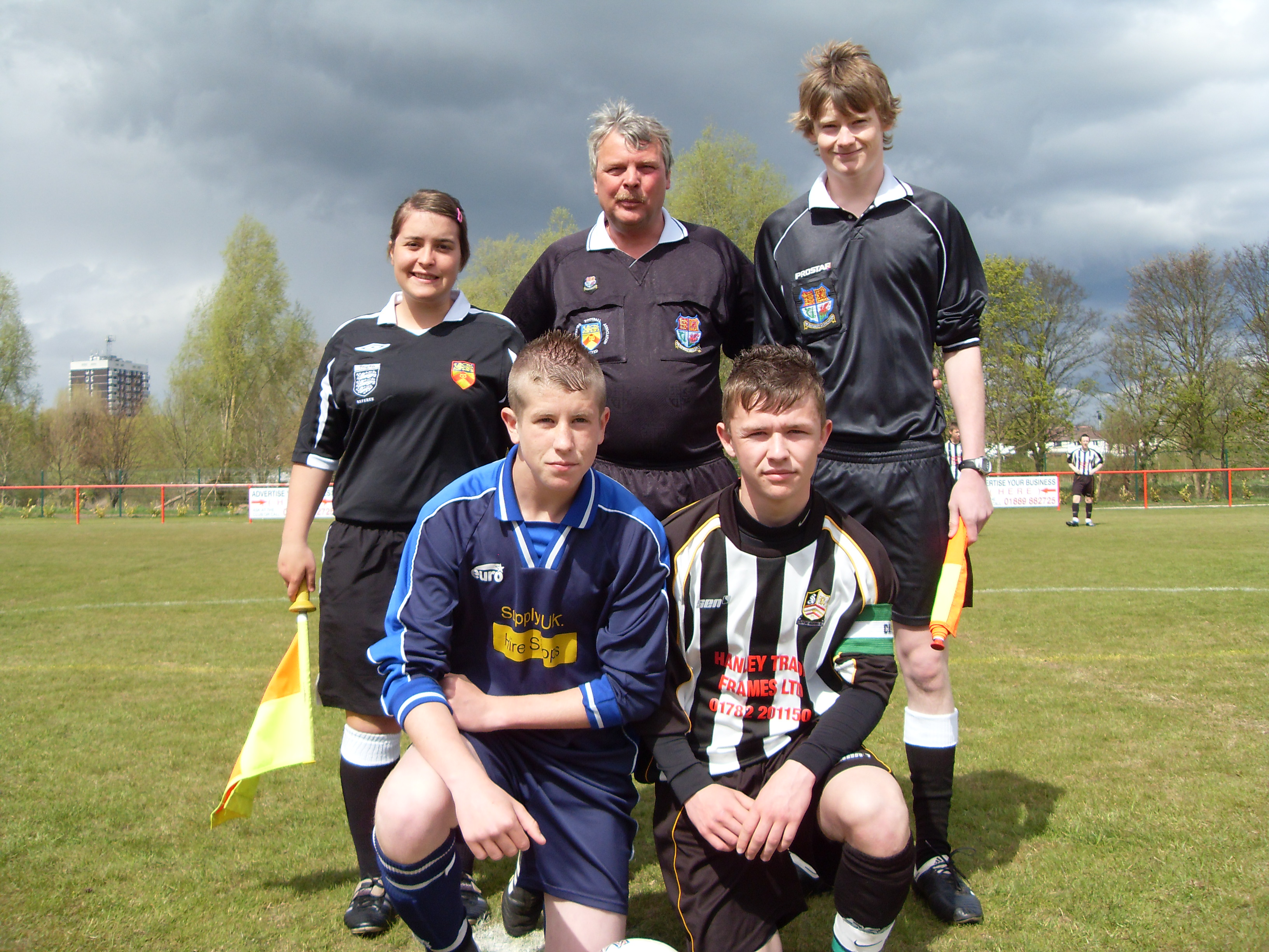 Dave Gregory ref asst Zoe Phillps & Mat Thickett under 15s